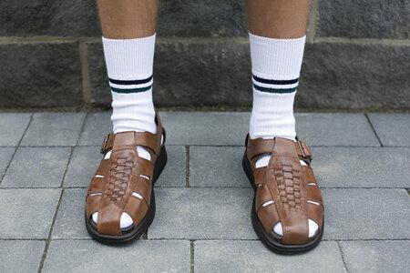 Ponožky v sandálech? Někdo na ně nedá dopustit!