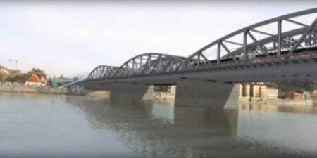 Takto by mohl vypadat nový železniční most přes Vltavu.