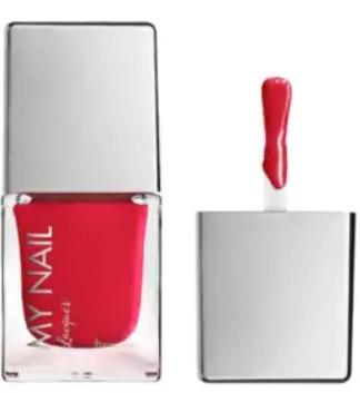 Lak na nehty Marionnaud, odstín Red in fire, 149 Kč, koupíte v parfumériích Marionnaud