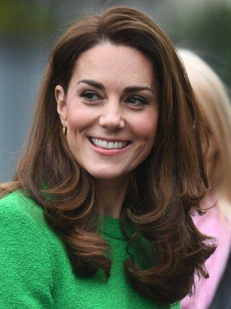 """Vévodkyně Kate oblékla """"nejnaštvanější šaty na světě"""""""
