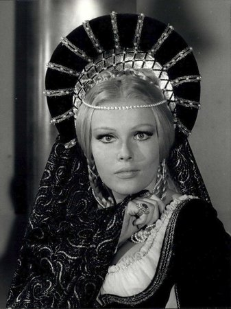 Ve filmu Lucretia Borgia z roku 1968, který se natáčel v Itálii.