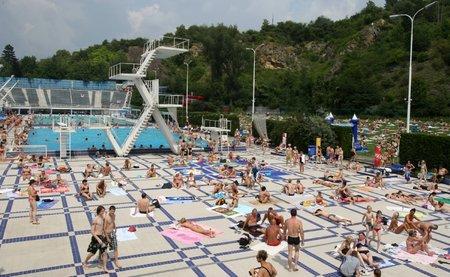 Plavecký bazén v Podolí.