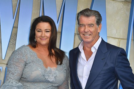 Pierce Brosnan a Keely Shaye Smith