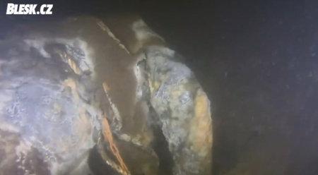 Potápěči našli těla pohřešovaného páru z Prahy na dně Želivky.