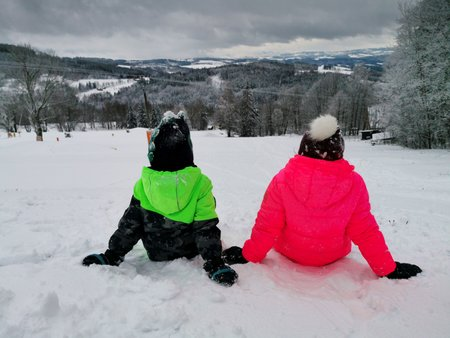 Sníh si o Vánocích užijeme jen na horách.