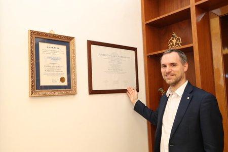 Lékařský diplom Hřibovi podepsal bývalý primátor za ODS Bohuslav Svoboda.