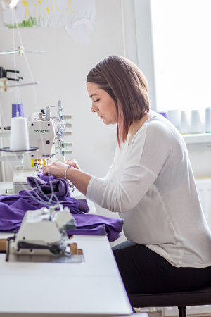 Karolína Masopustová z Liberce si na mateřské dovolené založila firmu Ricpic a šije dětské kolekce oblečení. Na jaře plánuje i dámskou.