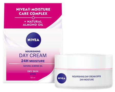 Výživný denní krém pro suchou a citlivou pleť, Nivea Essentials, 119 Kč (50 ml)