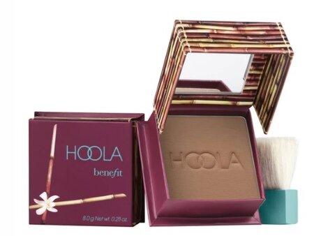 Bonzer Hoola, Benefit Cosmetics, 1020 Kč