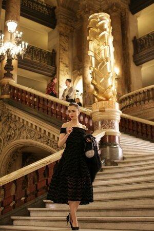 Hrdinka seriálu Emily in Paris