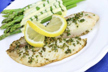 Grilovaná ryba je zdravá a dietní