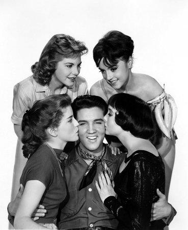 Elvis Presley v obležení žen