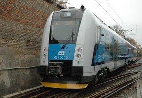 V Kadani jezdil vlak bez strojvedoucího. Cestující litovali, že jim nestaví