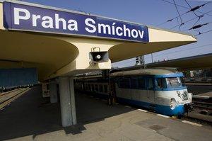 Mezi Smíchovem a Radotínem nejezdily až do večera vlaky linky S7. Výluku způsobila porucha vedení