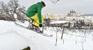 Cestování pražskou MHD s lyžemi nebo sáněmi: Za co musíte platit?
