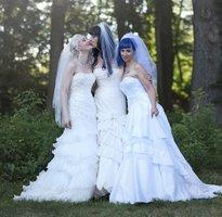 Tři lesbické nevěsty: První společné dítě čekají pouhý rok po svatbě