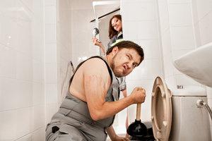 10 triků, jak nafouknout malou koupelnu