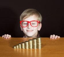 Děti zamířily do školy – a my do banky aneb jak ustát na začátku školního roku finanční tíseň