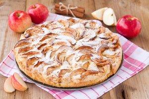 Nejlepší podzimní koláče: Zkuste ten s čokoládou a švestkami nebo hruškové koláčky