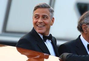 Devět osudových žen George Clooneyho. Které ho dostaly až k oltáři?