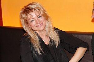 Eva Vejmělková o nové knize: Mám obavy jít se svou kůží na trh