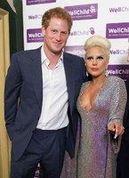 Princ Harry se potkal s extravagantní Lady Gaga!