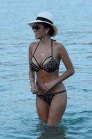 Zpěvačka Nicole Scherzinger slaví v Řecku a má o 14 let mladšího přítele!