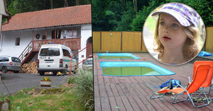 V táboře probíjel bazén: Vedoucí v něm nechal děti půl hodiny