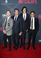 Copak je to za fešáky? Agent 007 Pierce Brosnan vyvedl na premiéru své tři syny!