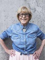 Proč ve Varech není vidět legendární Eva Zaoralová (85)? Operace páteře!