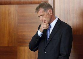 Janoušek oddaluje návrat do vězení. Místo Prahy to bude řešit Brno