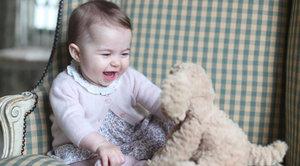 Její královská roztomilost: William a Kate zveřejnili nové snímky princezny Charlotte