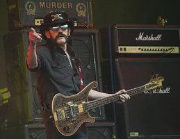 Zemřel zpěvák Motörhead Lemmy Kilmister, zabila ho rakovina! Dozvěděl se o ní 2 dny před smrtí