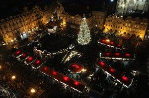Rozsvítí letos vánoční strom na Staromáku? Ve hře jsou tři varianty