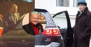 Karel Gott po čtvrté chemoterapii: Dal si červené víno... a domluvil si první práci