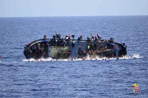 Moře pohltilo přes 239 uprchlíků. U Libye šly ke dnu dvě lodi