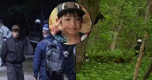 Rodiče chtěli potrestat 7letého syna. Nechali ho v lesích! Hledají ho už tři dny