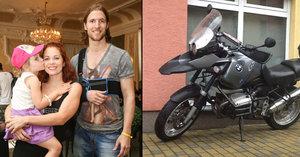 Nosková trnula strachy: Její přítel se vyboural na motorce!