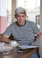 Láďa Hruška skončil v nemocnici: Narkoman mu zlomil klíční kost!