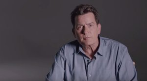 Velké přiznání Charlieho Sheena o HIV: Nechráněný sex jsem měl jen dvakrát!