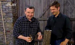 Dokonalý videonávod, jak pěstovat hlívu ústřičnou doma na kusu dřeva