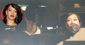 Kráska z Barbadosu Rihanna je v Praze: V noci šla na bowling!