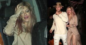 Donna z Beverly Hills 90210 byla namol, herečka Tori Spelling se stěží udržela na nohou