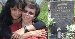 Lucie Bílá konečně pohřbila maminku: Náhrobek odhalil rodinnou tragédii!