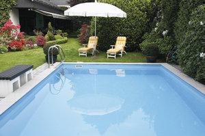 Nástrahy bazénu: Jak udržet vodu čistou?