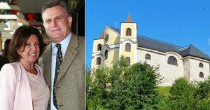 Svatba Marie Rottrové (74): Nevěsta v bílém a kostel s prosklenou střechou!
