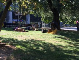 Každý pátý bezdomovec byl ve vězení. Praha je pro život na ulici ideální, tvrdí spolek