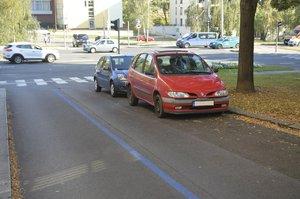 Radnice plánují změny modrých zón: Parkování i pro mimopražské a levnější stání