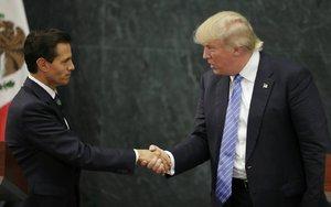 Trump po setkání s mexickým prezidentem: Stále chci zeď na hranicích