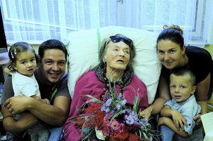 Luba Skořepová (93) alias Aranka z Chalupářů obklopená rodinou a láskou: Dojemná oslava v LDN!